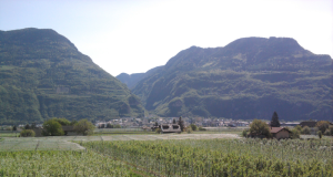 800px-Laives_dall'argine_dell'Adige