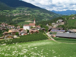 Gufidaun_(South_Tyrol)_Panorama_(1)